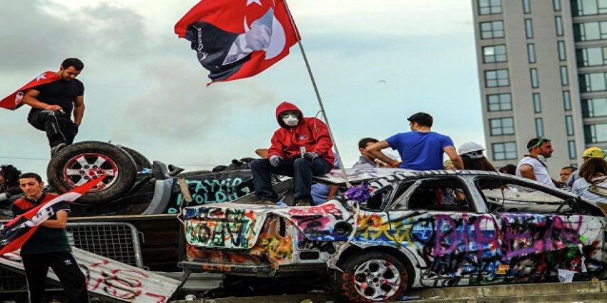 Bir Gezi Olayları Yazısı: 31 Mayıs Vakıası ya da Darbe İsterük!