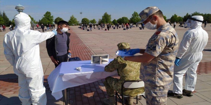 Terhis Edilen Askerler Evlerine Ulaştırılıyor