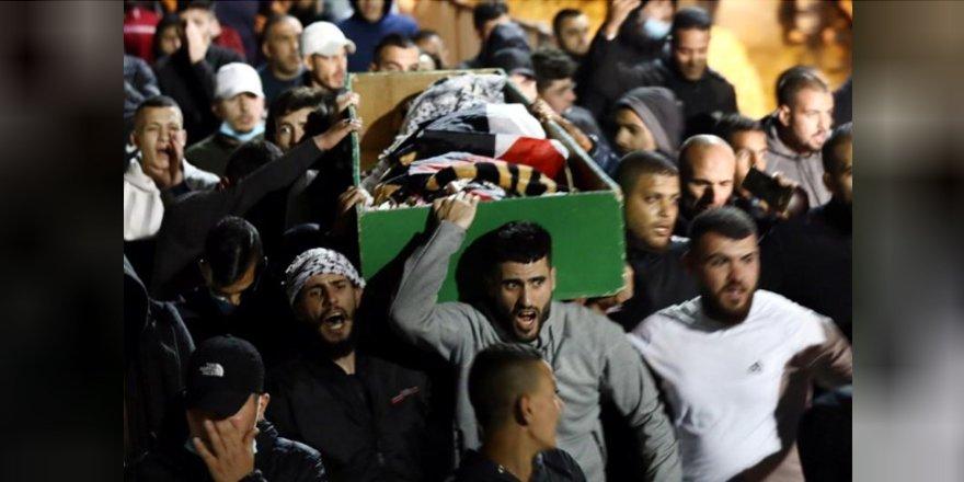 Siyonistler Yine 'Yanlışlıkla' Bir Filistinliyi Katlettiler!