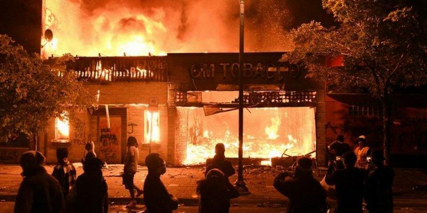 ABD Yönetimi, Şiddetli Gösteriler İçin Dış Güçleri Suçladı
