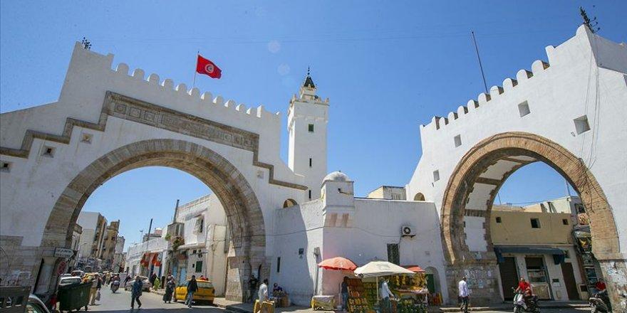 Tunus BAE'nin Arap Baharı Düşmanlığının Kıskacında