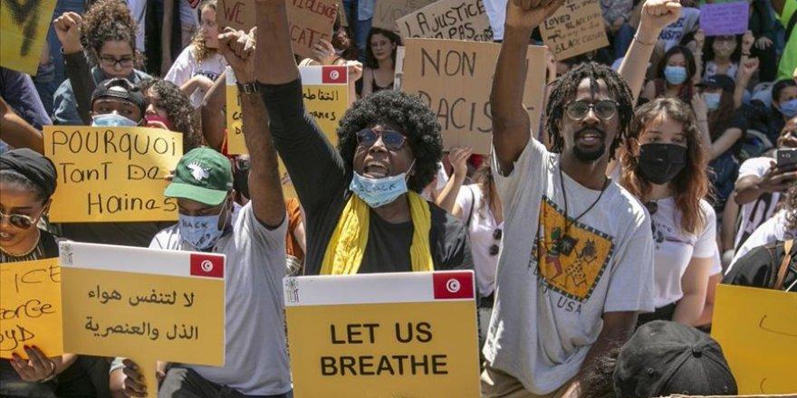 Tunus'ta Irkçılık Karşıtı Gösteri