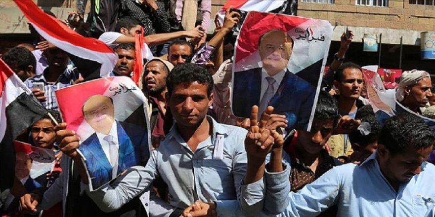 Yemenliler BAE Destekli Silahlı Oluşumları Protesto Etti