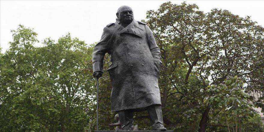 Churchill'in Heykeline Devlet Koruması!