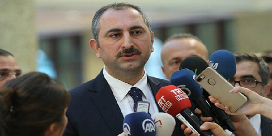 Adalet Bakanı Gül, Başak Demirtaş'a Yönelik Paylaşımı Kınadı