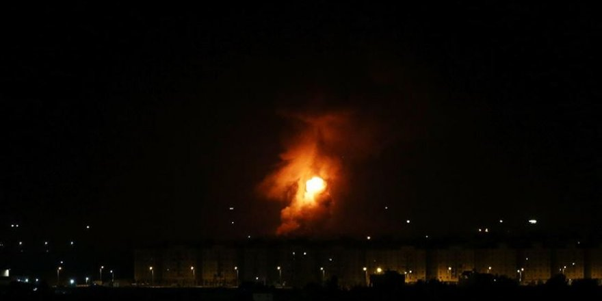Siyonist İsrail, Gazze'de Hamas'a Ait Bazı Noktaları Vurdu