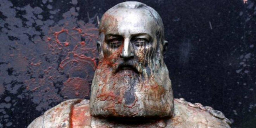 Belçika'da Sömürgeci Kral 2. Leopold'un Büstü Kaldırıldı