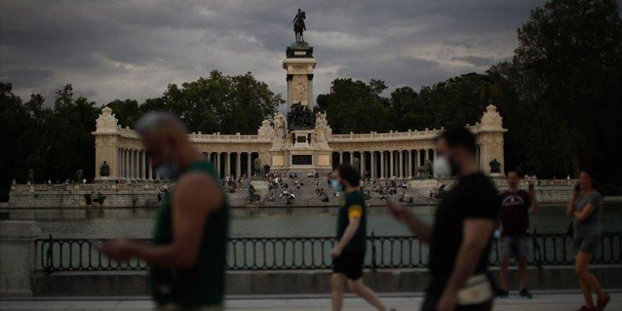 İspanya'da Kovid-19'dan Ölenlerin Sayısı 28 Bin 330 Olarak Güncellendi