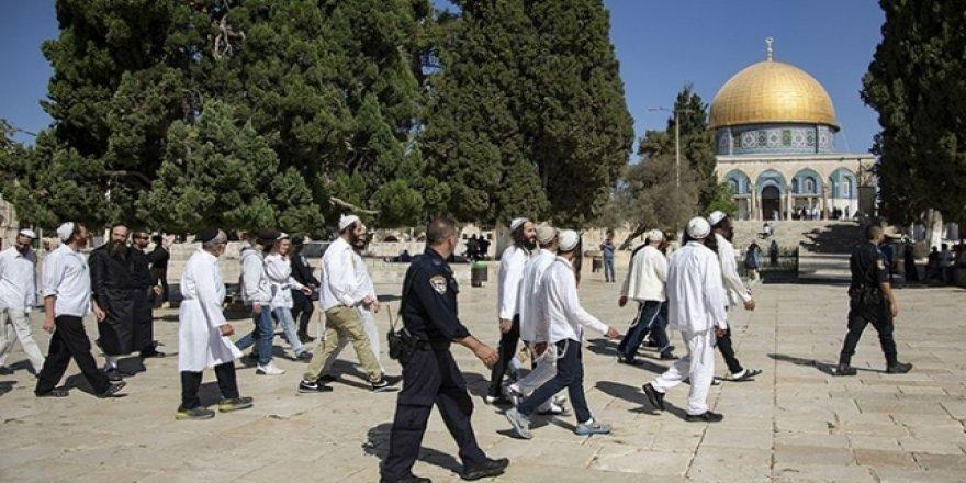 İşgalci Yahudilerden Mescid-i Aksa'ya Baskın