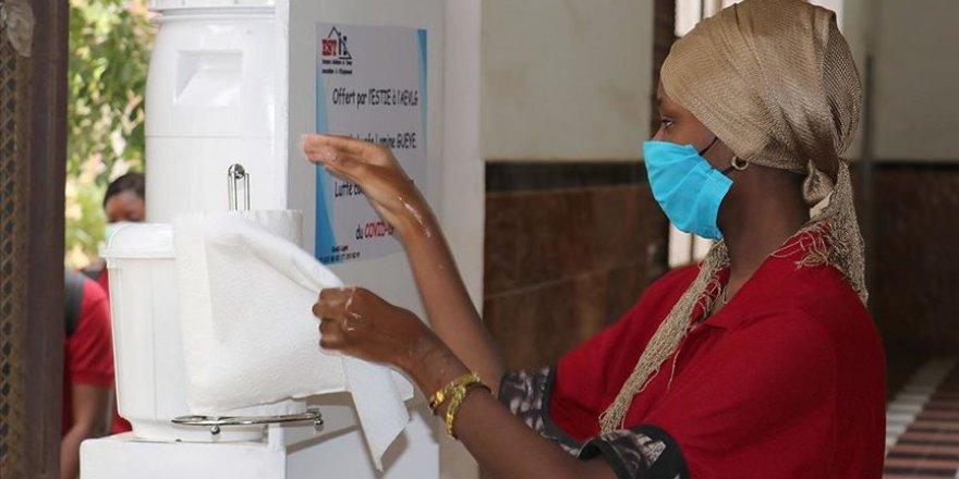 Senegal'de Kovid-19 Kaynaklı Acil Durum ve Sokağa Çıkma Yasağı Kaldırılıyor