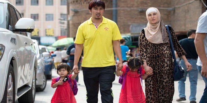 Çin, Uygur Kadınlara Zorla Kürtaj Yaptırıp Kısırlaştırıyor