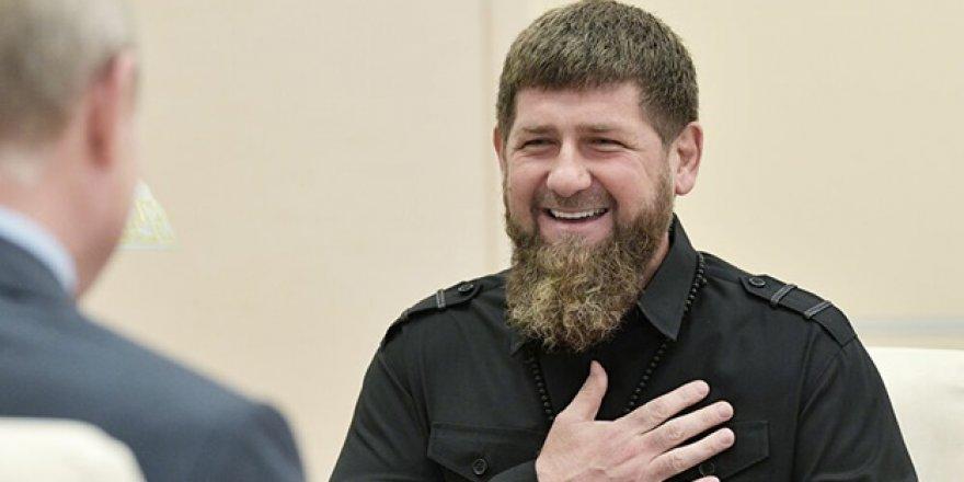 Çeçenistan Valisi Kadirov, Efendisi Putin İçin Dalkavuklukta Sınır Tanımıyor