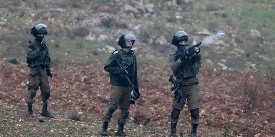 İşgal Güçleri Batı Şeria'da 3 Filistinliyi Yaraladı