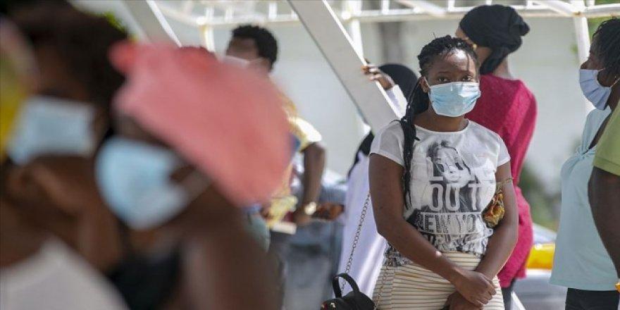 Güney Afrika Cumhuriyeti'nde Bir Günde 8 Bin 728 Yeni Vaka