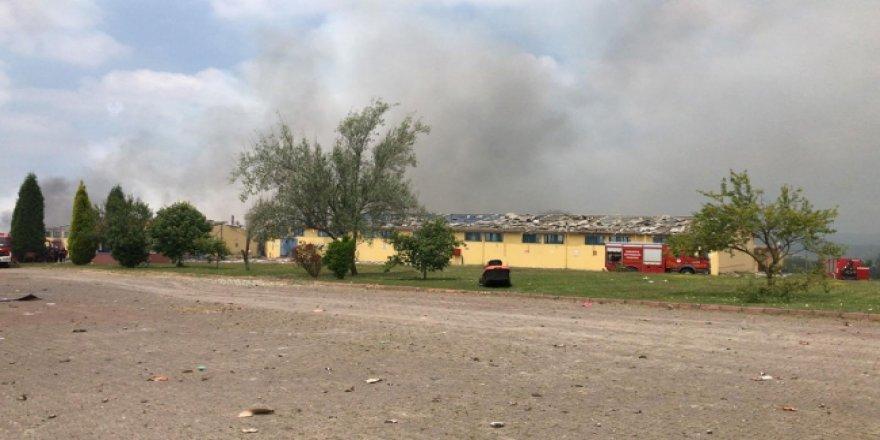 Patlayan Havai Fişek Fabrikasında 45 İşçi Kayıp