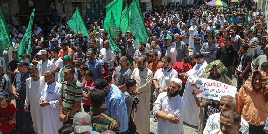İsrail'in 'İlhak' Planı Gazze'de Binlerce Kişinin Katıldığı Yürüyüşle Protesto Edildi