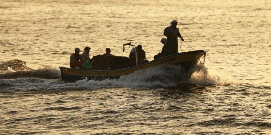 İsrail'den Gazze'de Balıkçılara Yönelik 6 Ayda 172 İhlal