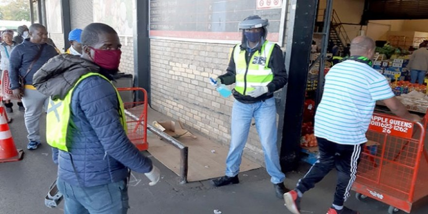 Güney Afrika Cumhuriyeti'nde 1 Günde 10 Bin 853 Vaka