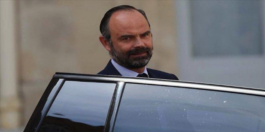 Fransa'da Toplumsal ve Ekonomik Krizler Başbakanı İstifaya Götürdü