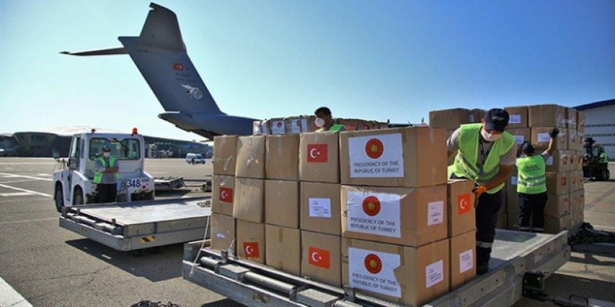 Türkiye'nin Azerbaycan'a Gönderdiği Tıbbi Malzeme Teslim Edildi