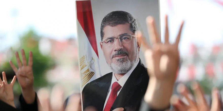 Mursi ve Sisi: Hangisi Filistin'in Yanında Yer Aldı?