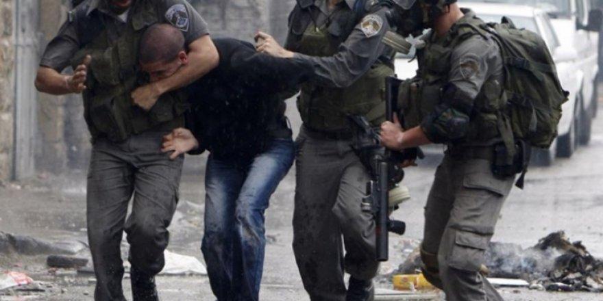 """""""Haziranda Yüzlerce Filistinli Tutuklandı ve Her Gün Mescidi Aksa Kirletildi"""""""