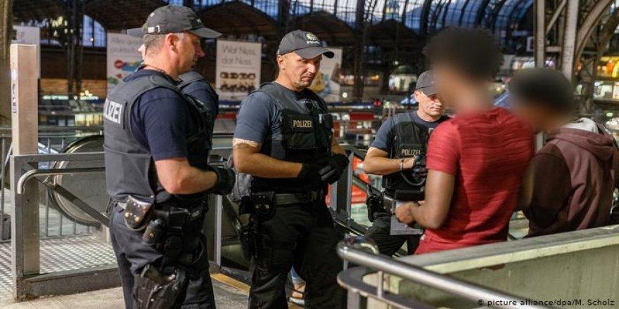 Avrupa Konseyi: 'Avrupa Genelinde Irkçı Polis Kontrolleri Yasaklansın'