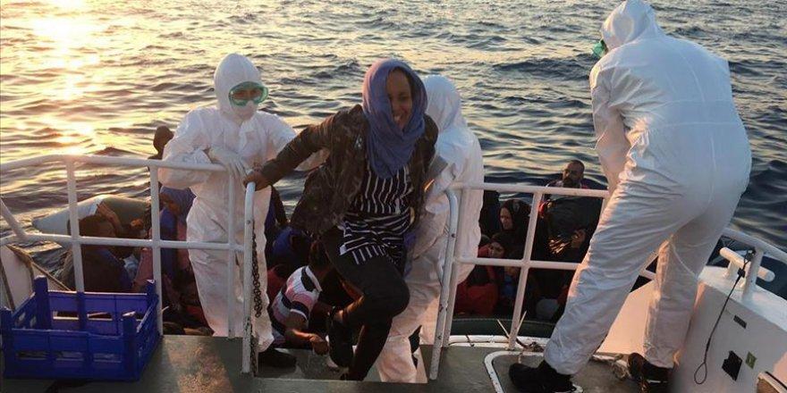 Yunanistan'ın Türkiye Kara Sularına Geri İttiği 65 Sığınmacı Kurtarıldı