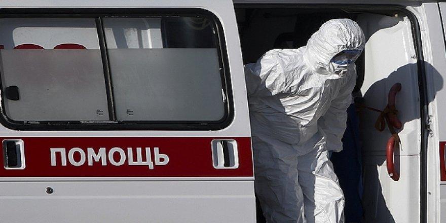 Rusya'da COVID-19 Vaka Sayısı 700 Bine Yaklaştı