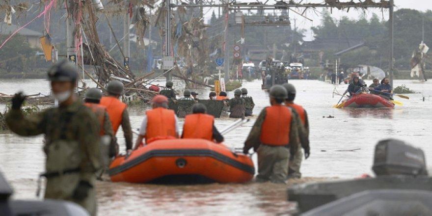 Japonya'daki Sel ve Heyelanlarda Ölü Sayısı Artıyor