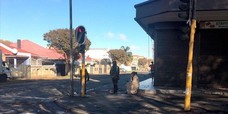 Güney Afrika Cumhuriyeti'nde 1 Günde 8 Bin 810 Kovid-19 Vakası Tespit Edildi