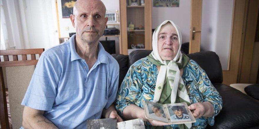 Srebrenitsa'da Katledilen Bir Oğlunu Defnetmeye Hazırlanan Aile, Diğer Oğlunu Hala Bulamadı