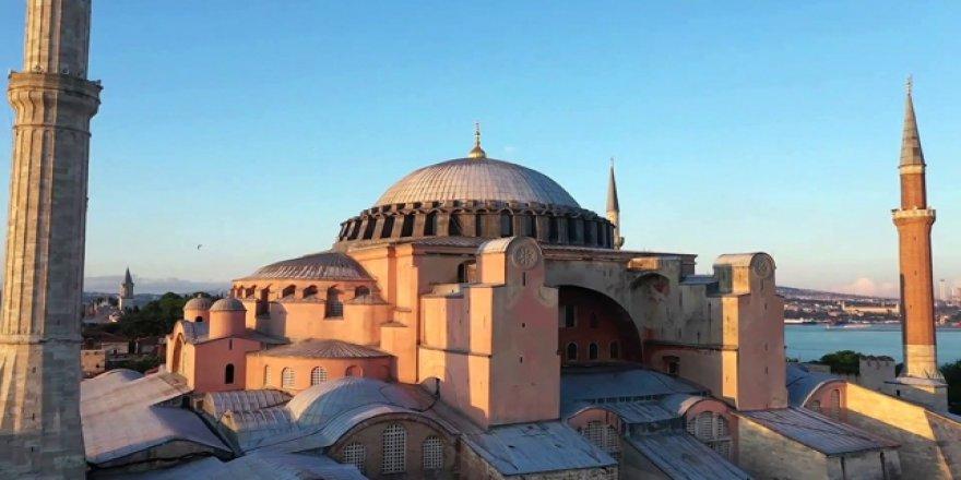 """İstanbul Valiliğinden """"Hoş Geldin Ayasofya"""" Paylaşımı"""