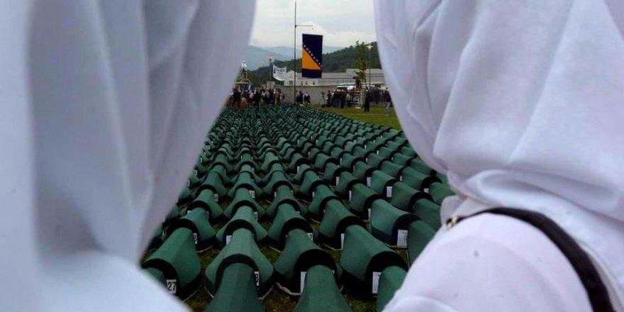 Srebrenitsa'dan Kaçış: Üç Kardeşin Ölümcül Yolcuğu