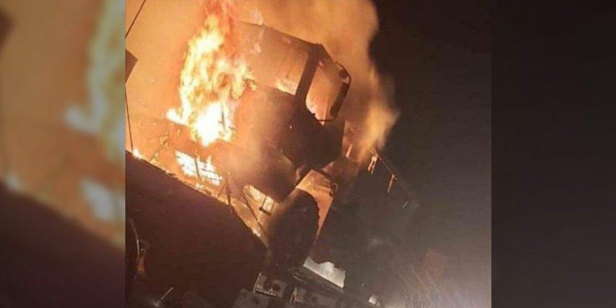 Irak'ta ABD Konvoyu Ateşe Verildi