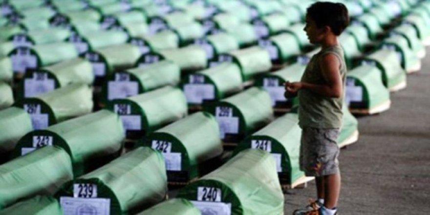 Katliamın Ardından 25 Yıl Geçtikten Sonra Sırp Milliyetçiliği Srebrenitsa'da Hala Canlı