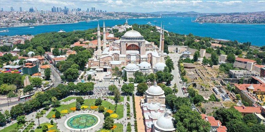 Ayasofya'nın İmar Planlarının 'Ayasofya Camisi ve Külliyesi' Olarak Değiştirilmesi Teklif Edildi