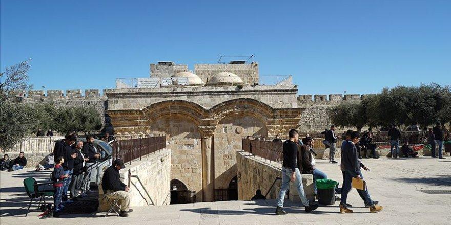 Filistin'den Rahmet Kapısı Mescidi'ni Kapatma Kararı Alan Siyonist İsrail'e Tepki