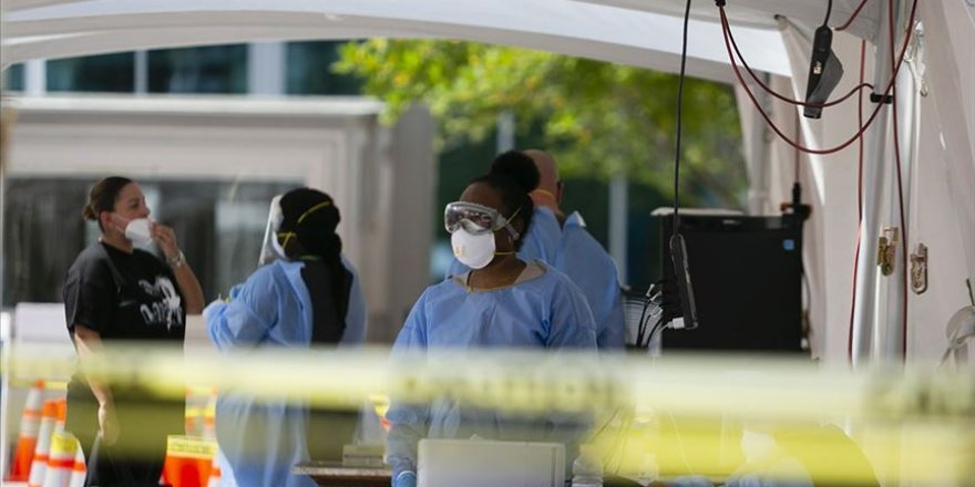 ABD'de Kovid-19 Salgınında Ölenlerin Sayısı 138 Bin 273'e Yükseldi