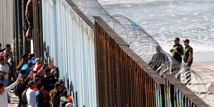 Meksika ve ABD Kovid-19 Nedeniyle Sınırlarını 21 Ağustos'a Kadar Kapattı