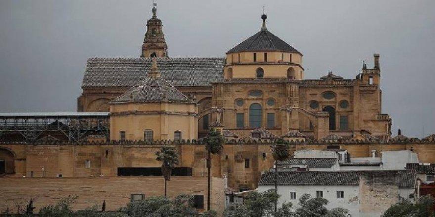 İspanya'daki Kurtuba Camisi Sadece Hristiyanların İbadetine Açık