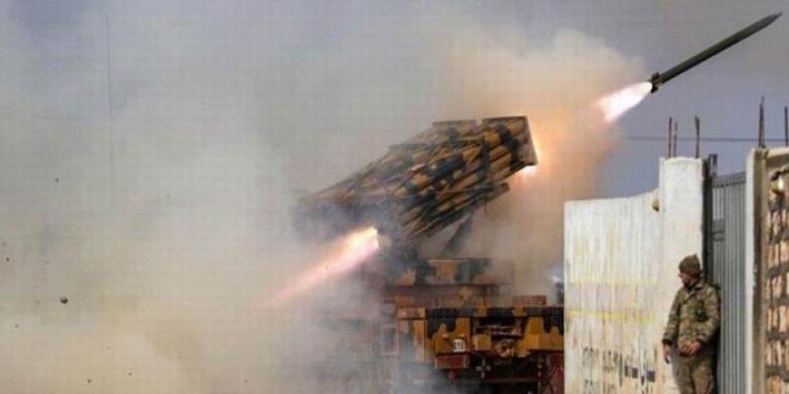 TSK Topçuları İdlib'de Rejim Mevzilerini Ateş Altına Aldı