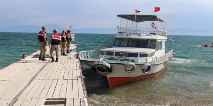 Van'daki Tekne Faciasında Ölü Sayısı 39'a Yükseldi