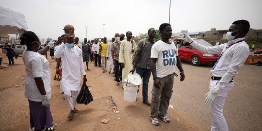 Nijerya'da Maske Takmayanlar Gözaltına Alınacak