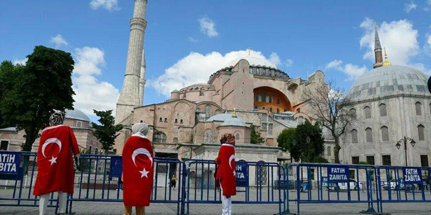 Ayasofya İçin 'Bizans İmparatorluğu İkinci Kez Çöktü' Yorumu