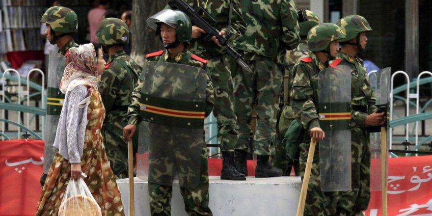 Çin'den, yabancı gözlemcileri yanıltmaları için Uygurlara baskı