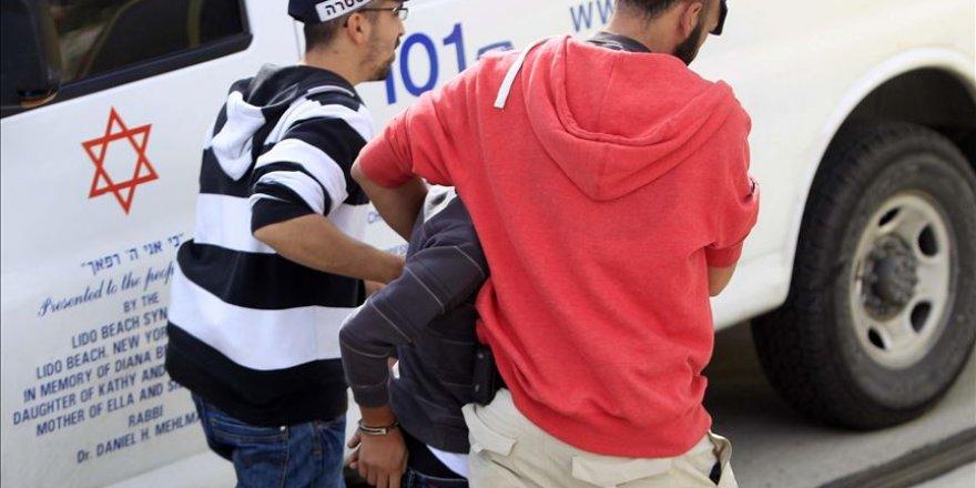 İşgal güçleri Kudüs'te 3 Filistinli çocuğu gözaltına aldı