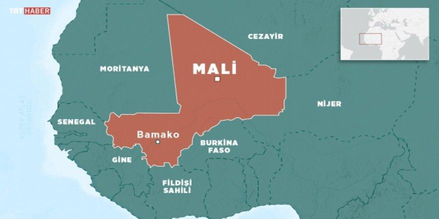Mali'de bir karakola saldırı: 33 asker öldü