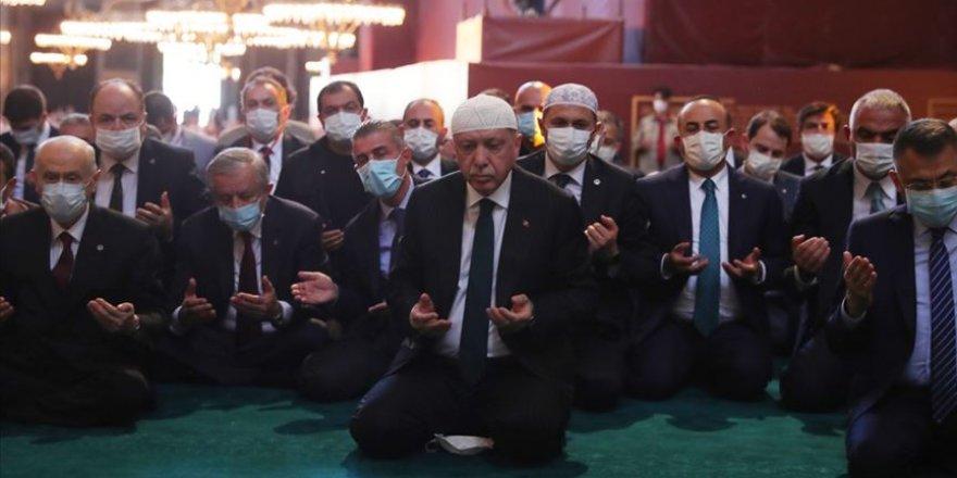 """Yunan Papaz: """"Erdoğan, mütevazı bir inanan gibi Kur'an-ı Kerim okudu"""""""