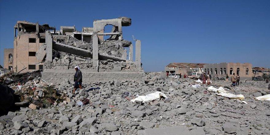 Husiler Suudi Arabistan sınırı yakınlarında bir keşif uçağı düşürdüklerini iddia etti